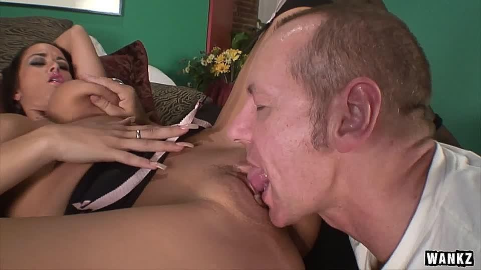 Carmella bing Pornofilme